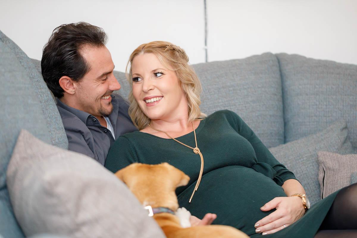 Babybauch Fotos zu Hause